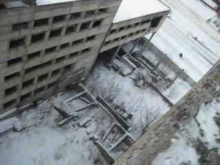 ВоооУ! Прыжок с заброшенного здания