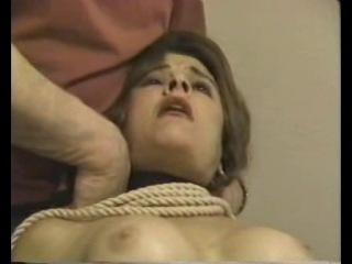 Snuff strangled woman