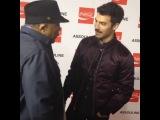 Джо разговаривает с Куинси Джонсом, 5 декабря в Лос - Анджелесе. На вечеринке журнала Nylon