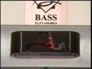 Пугающий ролик о розыгрыше в лифте набрал 8 млн. просмотров за 3 дня