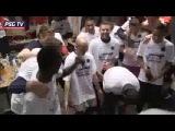 Празднование чемпионства ПСЖ в раздевалке после матча