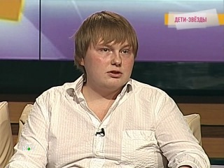 Сергей Походаев.Рассказывает как стать актером на 6-ой минуте и поет.