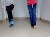 две девки