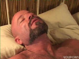 Youporn - muscled bear fucks blonde bottom