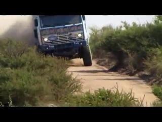 Камаз без колеса жмёт на полную к успеху на Ралли Дакар