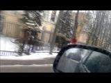 ВОТ БЕРИТЕ ПРИМЕР ДЕВУШКИ Зима -10 девушка в футболке бежит КУПАТЬСЯ