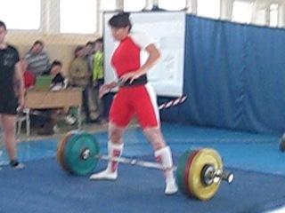 Снежанна Зубко. Становая тяга. 211 кг без экипировки на ЧРБ-2014.