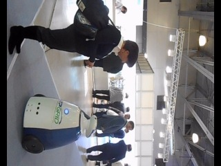 Знакомство с роботом на выставке Upgrid, 30окт2013