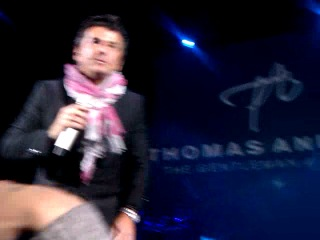 Томас говорит Хэллоу кому-то)))))))) (ТА/МТ)
