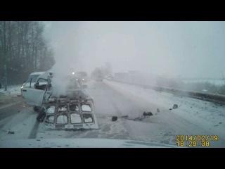 ДТП на улице Магистральной столкнулись 7-ка и микробус «Форд»