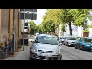 Как в Германии пропускают машины скорой помощи.