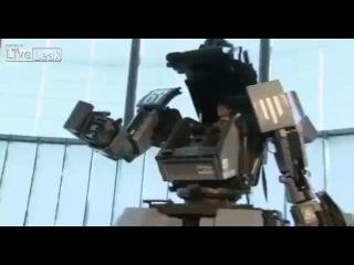 Японский прототип экзоскелета (робот управляемый изнутри человеком)