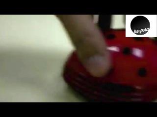Мини-пылесос для клавиатуры и стола