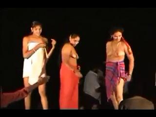 indian-dancer-nude