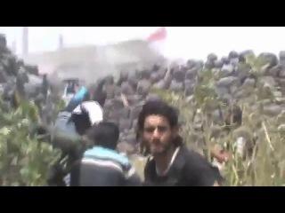 Жёсткая перестрелка в Сирии.02.05.2013 это вам не фильмы про войну где всё красиво вот истеное бой