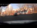 Приколюха с видеорегистратора, тип въебался в бордюр и чуть не сбил пешего.
