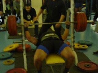 Виталий Громыко. Жим лежа. 200 кг без экипировки.