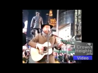 Cteen Invades Times Square, The Rebbe on AE Jumbotron, Alex Clare Concert