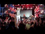 Gym Class Heroes - Stereo HeartsAss Back Home (feat. Neon Hitch) (Live @ 2012 NBA All-Star Pre Game)