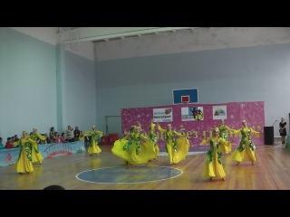 наш узбекский танец)на конкурсе в Уральске
