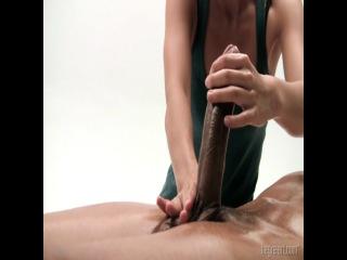 Эротический массаж. Массаж тела. Массаж маслом. Расслабляющий массаж. Тайский массаж. Салон эротического массажа Молен Руж.