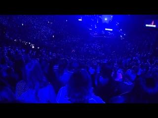 Hillsong United - Oceans (Where Feet May Fail) [Live]