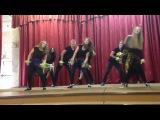 танец под песню Shakira waka waka