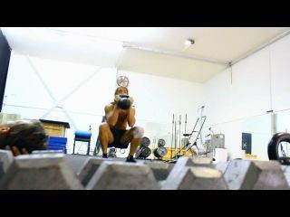 Видео с тренировки актёров и каскадёров между съёмками фильма