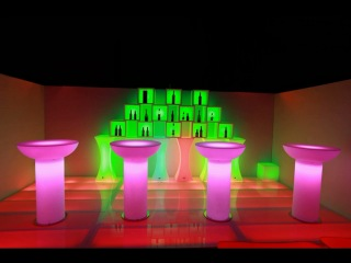 Наша работа - Мебель с подсветкой киев, аренда световая мебель, светящаяся мебель аренда киев, светящиеся кубы прокат, выездной бар с подсветкой аренда, мебель с подсветкой пуфы, кресла с неоновой подсветкой, столы барные, фуршетные с подсветкой, стулья змейки светящиеся, стол низкий с подсветкой аренда, полые кубы для бутылок с подсветкой аренда киев