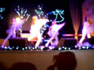 Танец на Рождество 2013г. (с участием наших девочек)