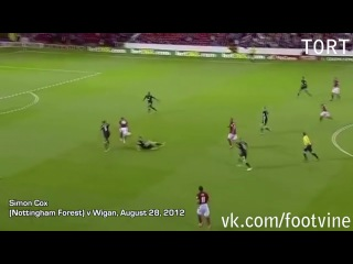 Simon Cox goal