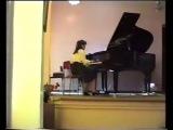Играю в музыкальной школе Экспромт номер 3 Шуберта, 1994 год (запись сделана на одну из первых любительских камер).
