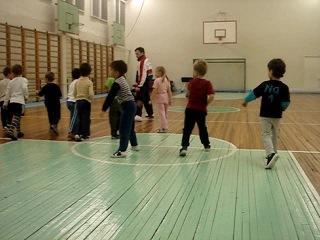 1-й месяц обучения, осень 2009 ушу для детей чаньцюань