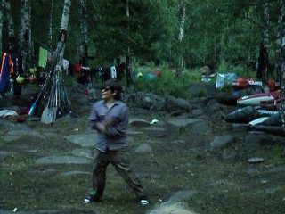 Звягин идиот, но речь не о том. Степа танцует под gangam style.