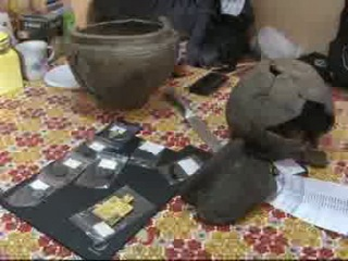 Подводные археологи в районе Волхова нашли Клад из 96 монет (22.04.2013)