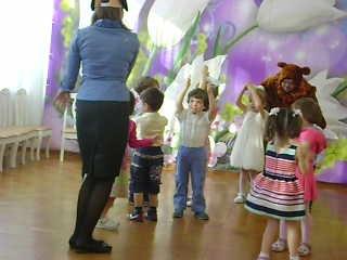 Утренник 8 марта в детском саду сказка младшая группа