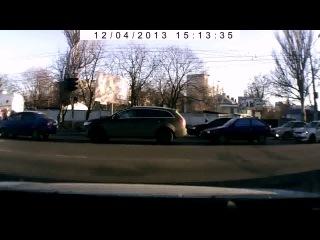 В Одессе машина сбила человека