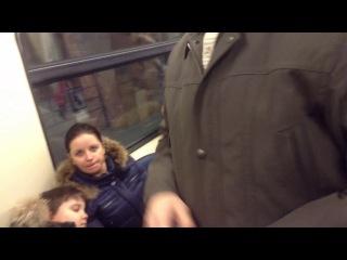 Молодая бабушка в метро