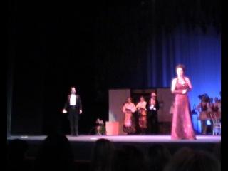Сцена из оперетты: Марица (Алена Смирнова) и Тассило (Александр Серков)
