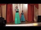 Дуэт мамы и дочки на 8 марта с проникновенной песней!
