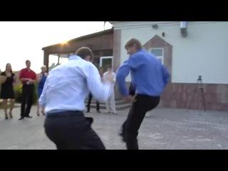 Танец жениха и свидетеля . Не Растерялся Во Время Свадебного Конкурса .
