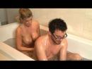 Зрелая блонда с эффектным телом сделала эротический массаж парню Kristal Summers - My Mom's Friend!