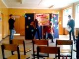 Как мы провели 8 марта в школе,Часть 1(Конкурс-жопой в бутылку)
