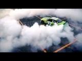 Zadneprivodnyj_bolid_NASCAR_protiv_Fiest