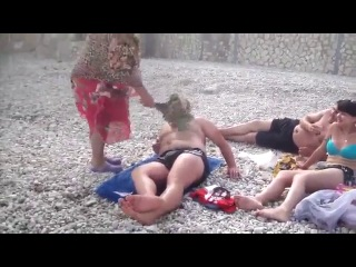 Поебень трава, Коктебель, лето 2013 - БАБКА ЖЖЕТ))))