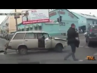 Crazy Russian roads from a dash-cams point of view