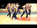 прикольно танцуют девочки