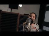 Девочка круто поёт