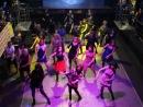 флэш-моб, девчонки зажигают... фитнес вечеринка САФАРИ 2013