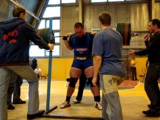 Кирилл Кузнецов. Приседание. 320 кг на Кубке РБ - 2009.